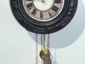 Staré hodiny se závažím